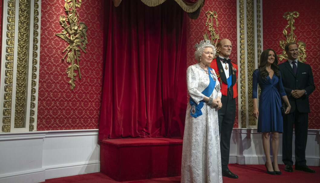 <strong>NÅ:</strong> Plassen ved siden av dronning Elizabeth og ektemannen er ledig - nå som prins Harry og Meghan er blitt flyttet. Foto: NTB Scanpix