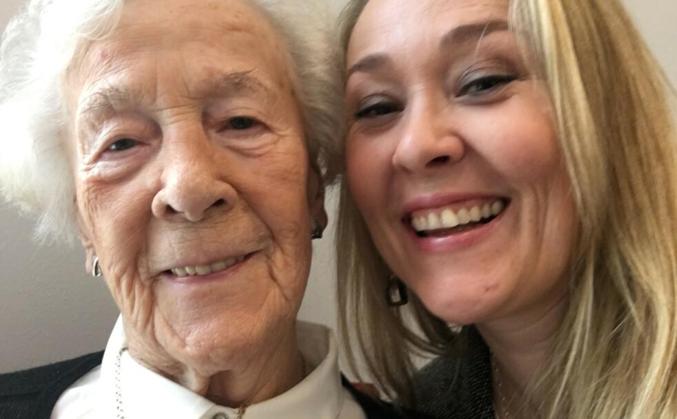 HUN HAR NAVNET MITT: Bergitte og Birgitte på den eldstes 95-årsdag. Farmor var så stolt over at jeg var oppkalt etter henne. Foto: Privat