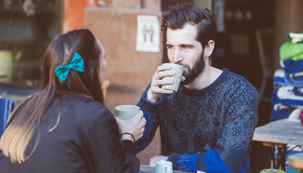 LATTEDATE: Vår ekspertmener at «lattedating» er helt innafor, og gjør det til og med sunt å date flere. Vi møter jo stadig nye mennesker, og en kopp kaffe uten mas og press kan plutselig vise seg å være gull verdt. FOTO: NTB Scanpix