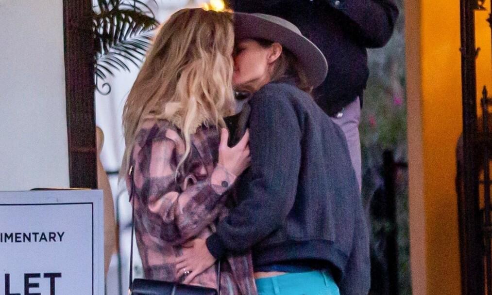NYTT PAR?: I helgen ble skuespiller Amber Heard observert med en kvinne i hete omfavnelser. Bildene har satt fart på romanseryktene. Foto: NTB Scanpix