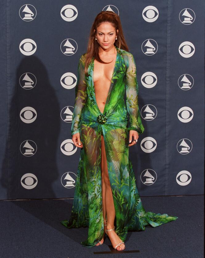 IKONISK: Dette øyeblikket fra Grammy-utdelingen i 2000 skrev seg inn i historiebøkene. Foto: NTB Scanpix