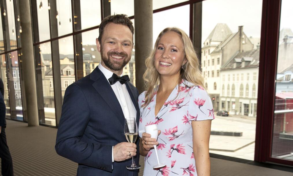 GIFT: Komiker John Brungot (43) og kona Marte Hovig har med jevne mellomrom vært innom parterapi, både før og etter sønnens sykdomsperiode. Foto: Andreas Fadum / Se og Hør.