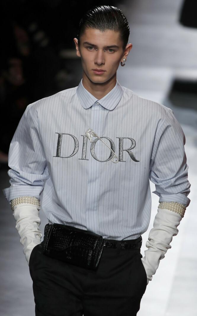 HEI SVEIS: Prins Nikolai har til vanlig krøller, men denne gangen ville stylistene altså ha det annerledes. Foto: NTB scanpix