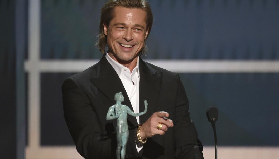VANT PRIS: Den 26. Screen Actors Guild Awards gikk av stabelen natt til mandag norsk tid, og Brad Pitt stjal showet med sin takketale. Foto: NTB scanpix