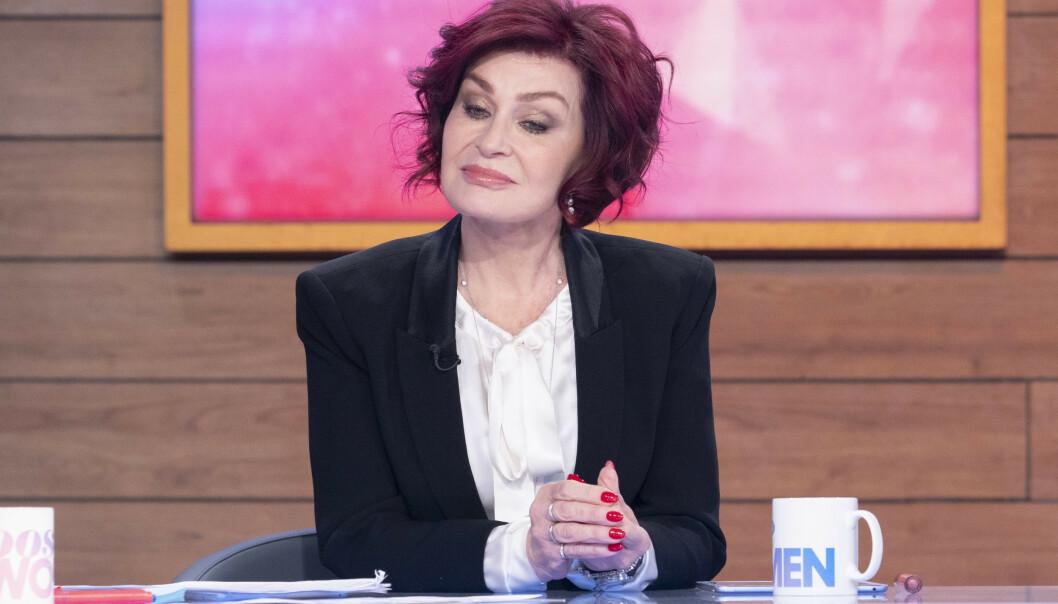 IKKE FORNØYD: Sharon Osbourne la ikke skjul på sine tanker rundt hertugparets valg om å trekke seg tilbake i talkshowet «The Talk». Foto: NTB Scanpix