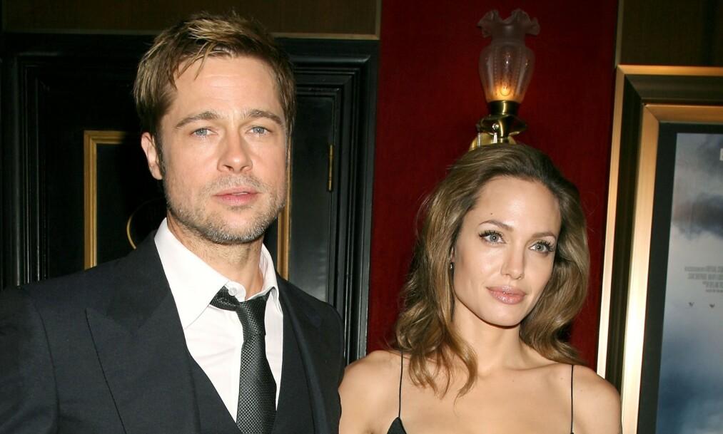 REAGERER: Ifølge kilder nær Angelina Jolie skal hun ikke være imponert over hvordan Brad Pitt spøkte fra scenen. Her var det tidligere paret sammen i 2007. Foto: NTB Scanpix