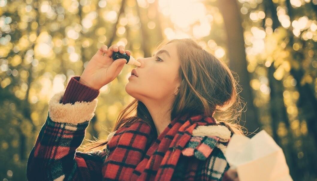 ALLERGIMEDISINER: Har du pollenallergi bør du få allergimedisiner av legen din, og ikke bruke vanlig nesespray. Foto: Scanpix.