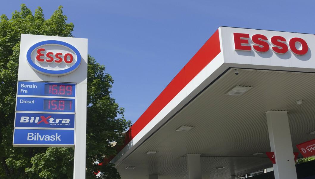 <strong>VIL HA DEN OPP:</strong> MDG ønsker høyere bensinpris når Frp har gått ut av regjering. Her fra 2018, da bensin kostet 16,89 per liter. Foto: Marianne Løvland / NTB scanpix