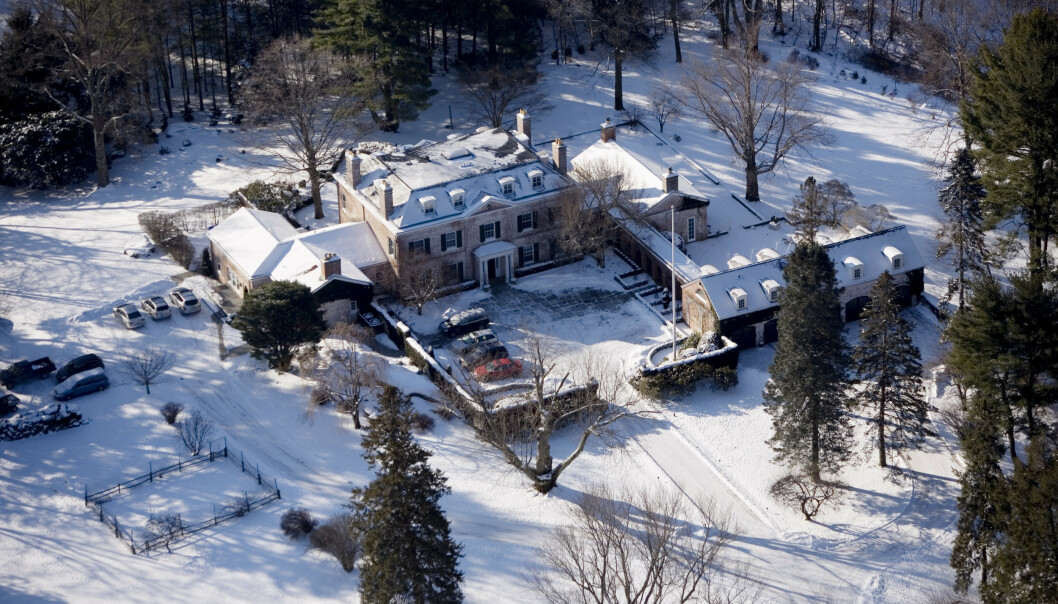 <strong>HERREGÅRD:</strong> På denne herregården i Greenwich, Connecticut bor Alexander Viks datter Caroline M. Vik. Foto: Tore Bergsaker