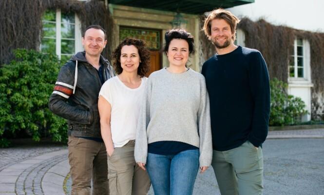 EKSPERTER: Jens Andreas Huseby, Lene Pettersen, Catrin Sagen og Per-Magnus Thompson utgjør ekspertpanelet som matcher parene sammen. Foto: TVNorge