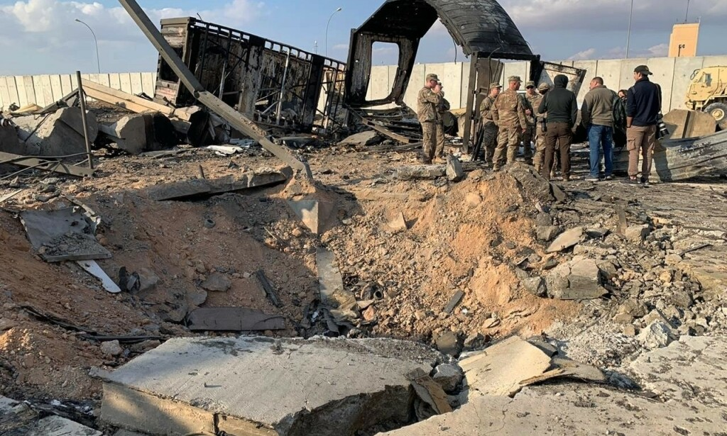 Det iranske missilangrepet mot Ain al-Asad-basen i Irak ble varslet på forhånd, og soldatene der hadde derfor søkt dekning. Foto: AP / NTB scanpix