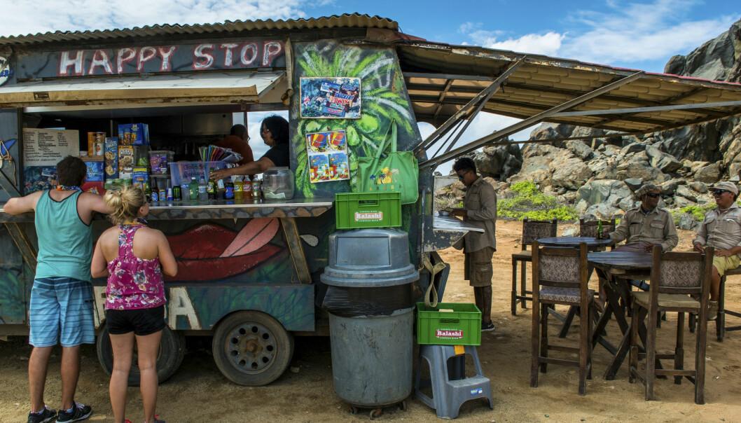 <strong>LETTVINT:</strong> Aruba har mange food trucks og andre små spisesteder som serverer enkel, men deilig mat. FOTO: Jörgen Ulvsgärd/TT