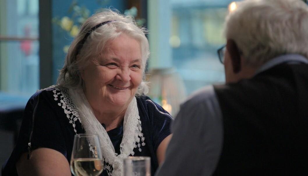 MØTTES IGJEN: I det svenske tv-programmet «Hemliga beundrere», fikk Maritta møte igjen mannen som hun hadde møtt på kjøpesenteret. Foto: Viafree/Viaplay