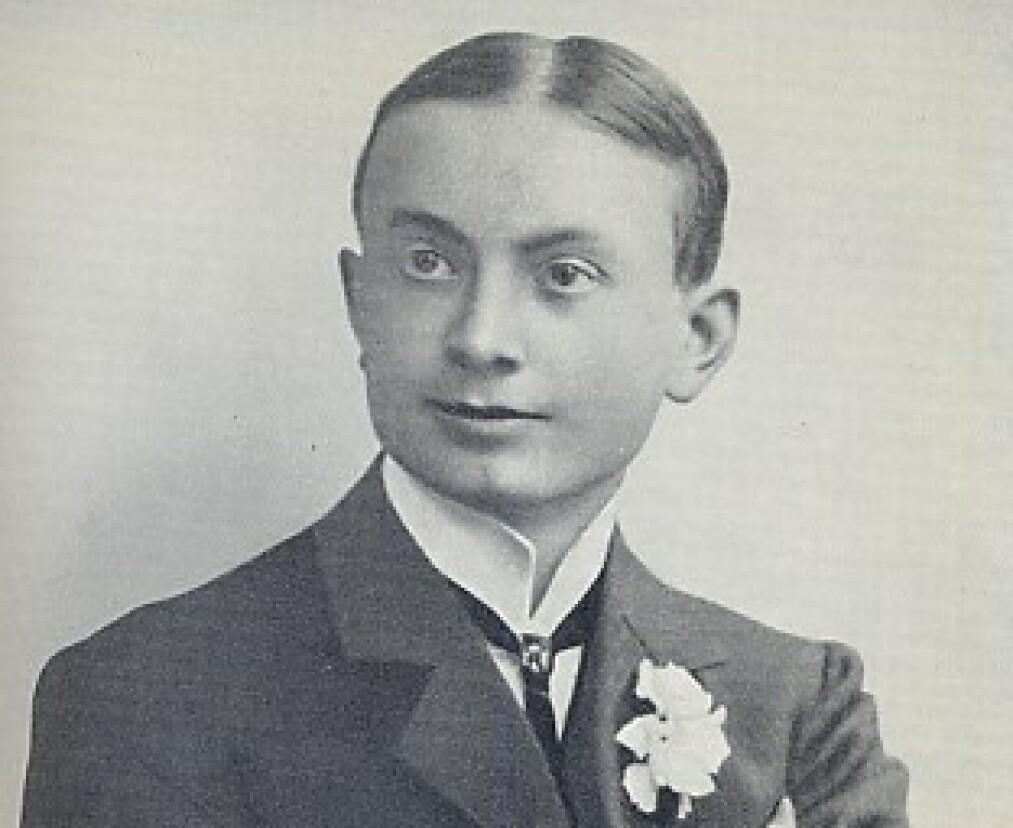 Karl Hau var en pen ung mann og en lovende jurist da han ble anklaget for drapet på sin svigermor. Foto: Carlhau.com