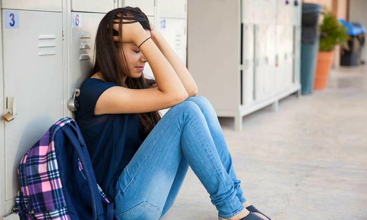 STRESS ELLER ANGST: Normale følelser kan oppleves intense, og noen ganger er det vanskelig å vite hvor grensen går mellom normale reaksjoner og angst. Foto: NTB Scanpix/Shutterstock