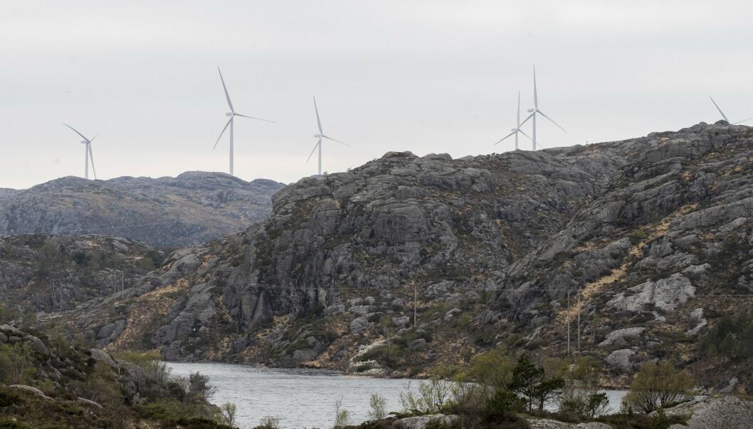 <strong>ØDELEGGER:</strong> Folk i bygda Berle i Bremanger får ikke sett på fjernsyn på grunn av en ny vindpark. Her ses vindturbiner i Eigersund kommune i Rogaland. Illustrasjonsfoto: Terje Pedersen / NTB scanpix