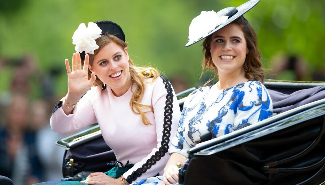 STØRRE ANSVAR: Det er mulig at prinsesse Eugenie og prinsesse Beatrice får større ansvar i det britiske kongehuset etter Meghan og Harrys valg om trekke seg tilbake. Foto: NTB Scanpix