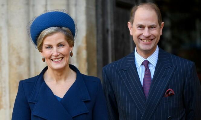 GOD KANDIDAT: Kongehusekspert Phil Dampier peker på Sophie, grevinne av Wessex, som en kandidat til å fylle Meghan og Harrys fotspor. Her med ektemannen prins Edward. Foto: NTB scanpix