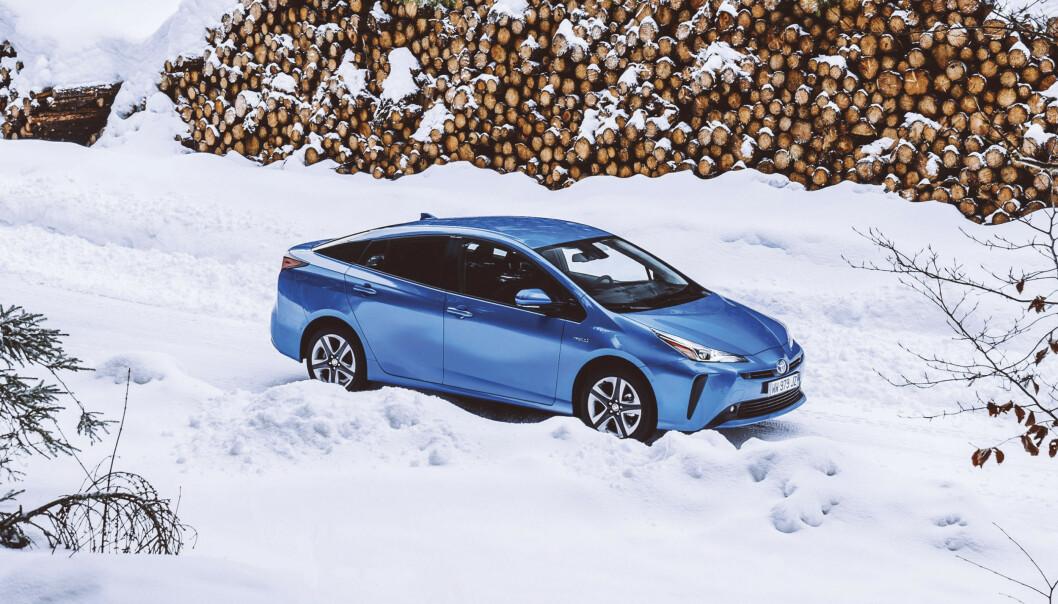 <strong>BEST I KLASSEN:</strong> Takket være sin satsing på hybridbiler, er Toyota det bilmerket som er nærmest til å klare EUs nye utslippskrav. Foto: Toyota