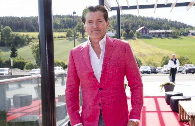 KJØPTE LEILIGHET: Investor Arne Fredly - her på Ole Einar Bjørndalens avskjedsselskap på Hellerudsletta i 2018. Foto: Terje Pedersen / NTB Scanpix