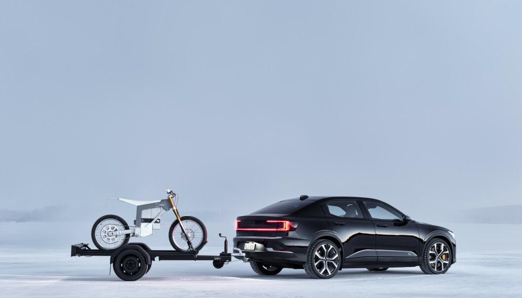 HENGERFESTE: De fleste elbilene med litt størrelse kommer nå med hengerfeste. Foto: Polestar