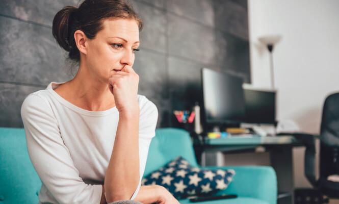 <strong>ULYKKELIG MIDT I LIVET:</strong> - Jeg antar at redusert livstilfredshet i denne fasen kan være relatert til lykketyver, kanskje særlig stress, sier eksperten.