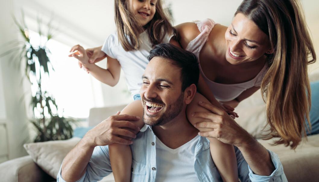 PLEIE FORHOLDET: Få ekspertenes tips til å bevare det nye forholdet, eller ekteskapet som har vart i flere år. FOTO: NTB Scanpix