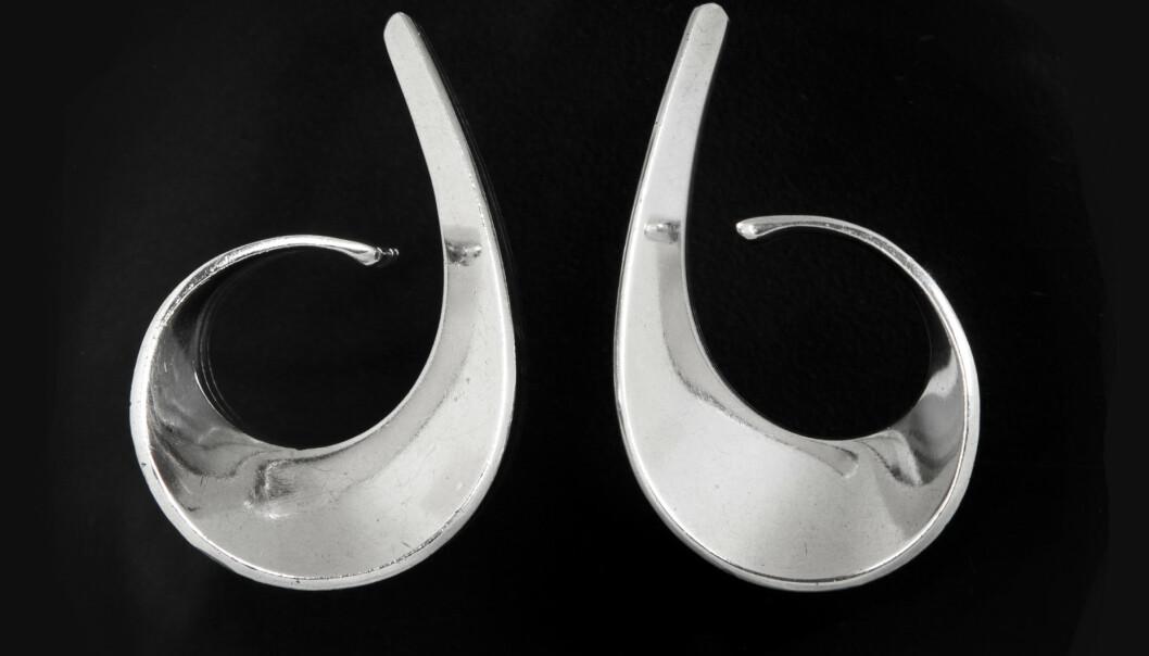 Tone Vigelands øresmykke Slynge ble utført ved PLUS fra 1958. Det koster vanligvis mellom 2500 og 5000 kroner. Foto: matslinder.no