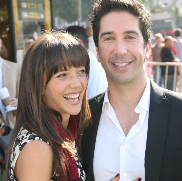 VENNER: Selv om David Schwimmer og Zoe Buckman er skilt, har de bevart et godt vennskap. Her er de sammen på en premiere i 2008. Foto: NTB scanpix