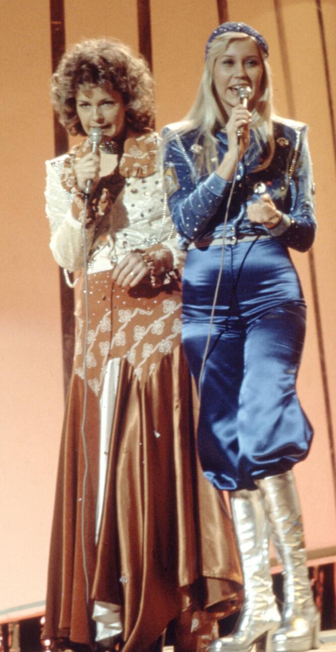 """LEGENDARISK: En hel generasjon husker dette antrekket fra den internasjonale finalen i Melodi Grand Prix i 1974, da ABBA vant og slo igjennom med """"Waterloo"""". (Foto: NTB Scanpix)"""
