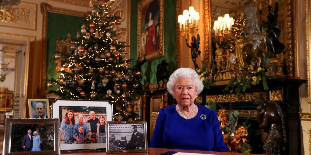 image: Derfor har hun ikke tatt ned julepynten - før nå