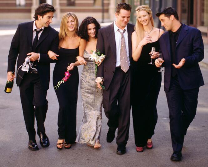 LITT AV EN GJENG: «Friends»-stjernene fikk stjernestatus over natta på 1990-tallet, og ble gode venner. Det er de fortsatt. Foto: NTB Scanpix