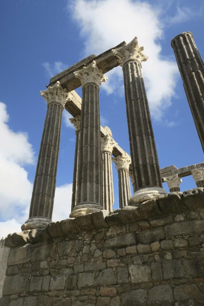 Dette romerske tempelet ligger i byen i Évora. FOTO: Karna Bunk-Jensen