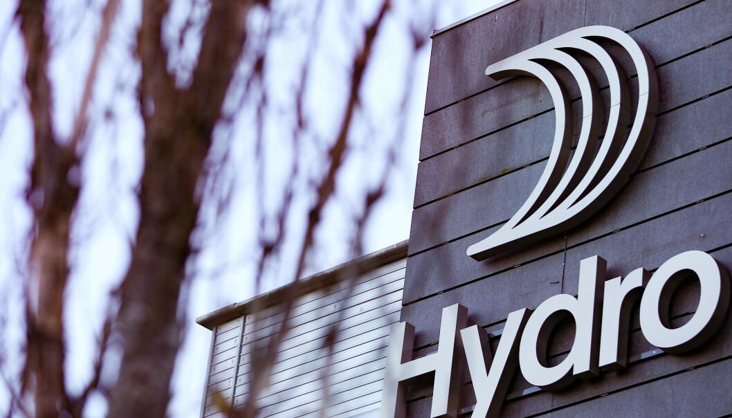 <strong>UTFORDRENDE:</strong> Hydro melder i sin kvartalsrapport at resultatet påvirkes av utfordrende markeder. Aksjen stuper fra start. Foto: Fredrik Hagen / NTB scanpix