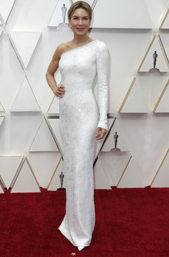 <strong>GLITRET:</strong> Renee Zellweger har mange Oscar-utdelinger bak seg, og får ofte spesialdesignede kjoler til anledningen. Foto: NTB scanpix
