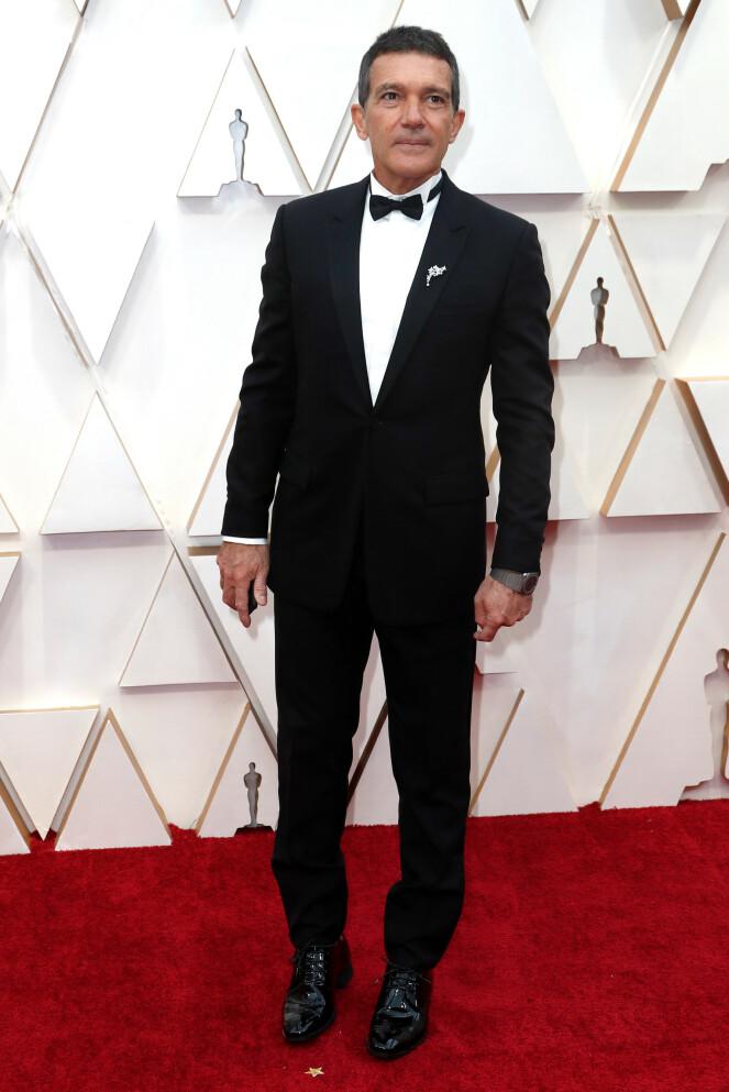 <strong>LEGENDE:</strong> Filmstjerna Antonio Banderas fikk store mengder oppmerksomhet på løperen. Foto: NTB scanpix