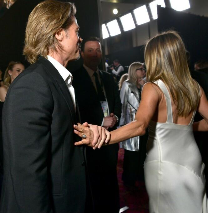 ROMANSERYKTER: Bildene av Aniston og Pitt gikk viralt på et blunk, og fyret opp under romanseryktene. Foto: NTB scanpix