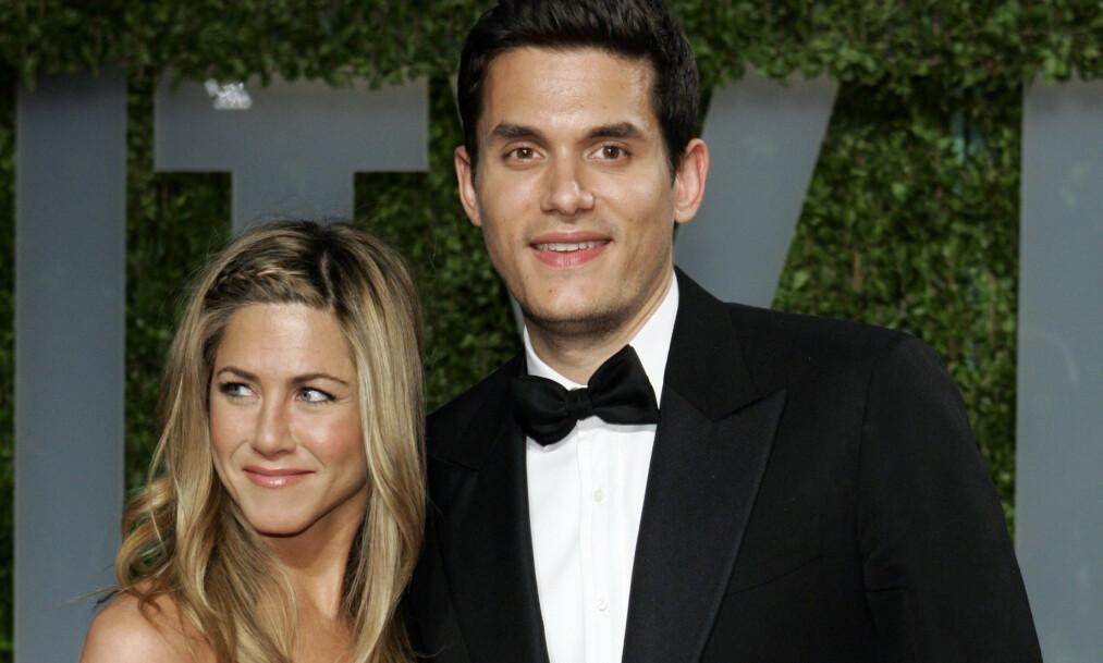 FULL FORVIRRING: Jennifer Aniston ble forrige uke observert med ekskjæresten John Mayer. Han er en av flere stjernen har blitt koblet til den siste tiden. Foto: NTB scanpix