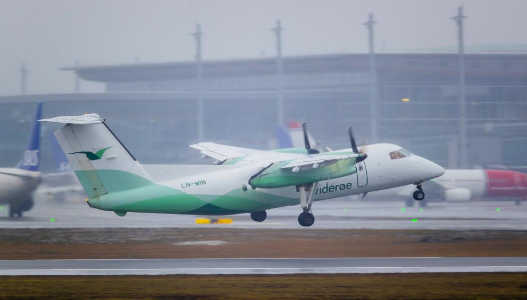 Widerøe innstiller flere flygninger i Nord-Norge på grunn av for lavt lufttrykk. Foto: Stian Lysberg Solum / NTB scanpix.