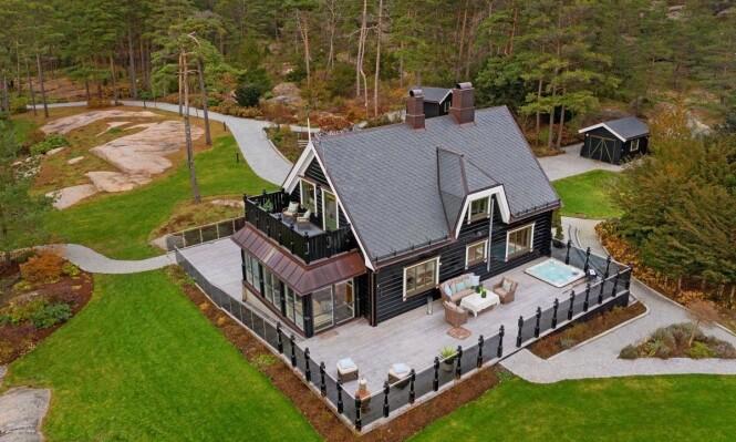 FORELØPIG INGEN BUD: Milliardær Tore Tidemandsen la ut denne eiendommen for salg i november fjor. Foto: Etcetera