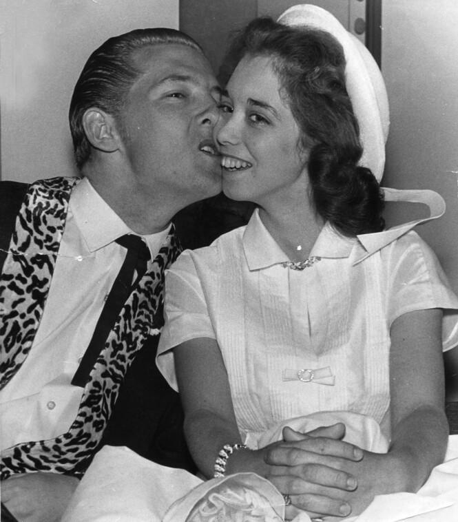 SOMMERBRUD: Myra og Jerry giftet seg for andre gang sommeren 1958, etter at skilsmissen fra kona Jane Mitcham var et faktum. FOTO: NTB scanpix