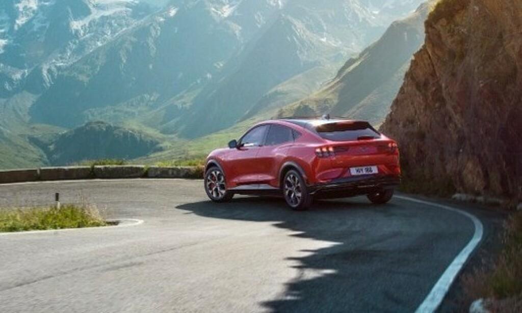 NORGE FØR USA: Norske kunder vil få bilene sine før kundene i hjemlandet USA, ifølge sjefen for Fords elektrifiserings-strategi, Jason Mase. Foto: Ford