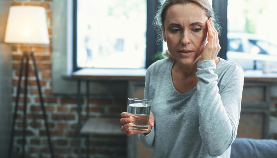 <strong>FÅ HJELP:</strong> Overgangsalderen kan være en veldig vanskelig fase. Trening, kosthold og riktige medisiner kan gjøre livet bedre. Foto: Shutterstock/ NTB Scanpix