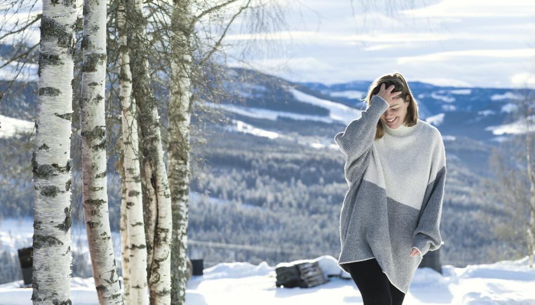 LYS: Å være ute i dagslys er viktig, og Line går mye tur. FOTO: Astrid Waller