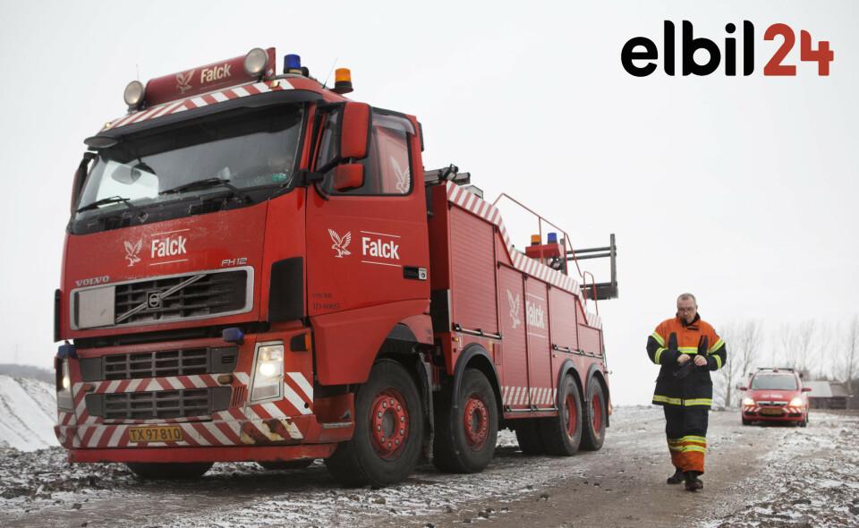 VEIHJELP: Som medlem i Falck Bil får du assistanse i både Norge og Europa, når du trenger det, uansett årsak. Foto: Falck