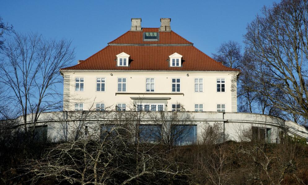 UENIGE: Investor Jens Ulltveit-Moe sier han ønsker å selge Fornebu Hovedgård. Eiendomsutvikler Terje Tinholt mener han allerede har kjøpt den. Foto: Kristin Svorte / Børsen