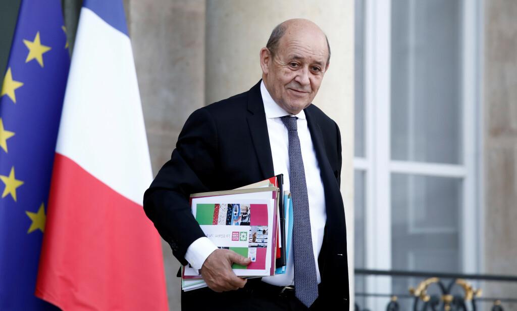 UTGA SEG FOR Å VÆRE FORSVARSMINISTER: Svindlerene utga seg for å være denne mannen, Frankrikes tidligere forsvarsminister Jean-Yves Le Drian. Foto: Reuters/Benoit Tessier