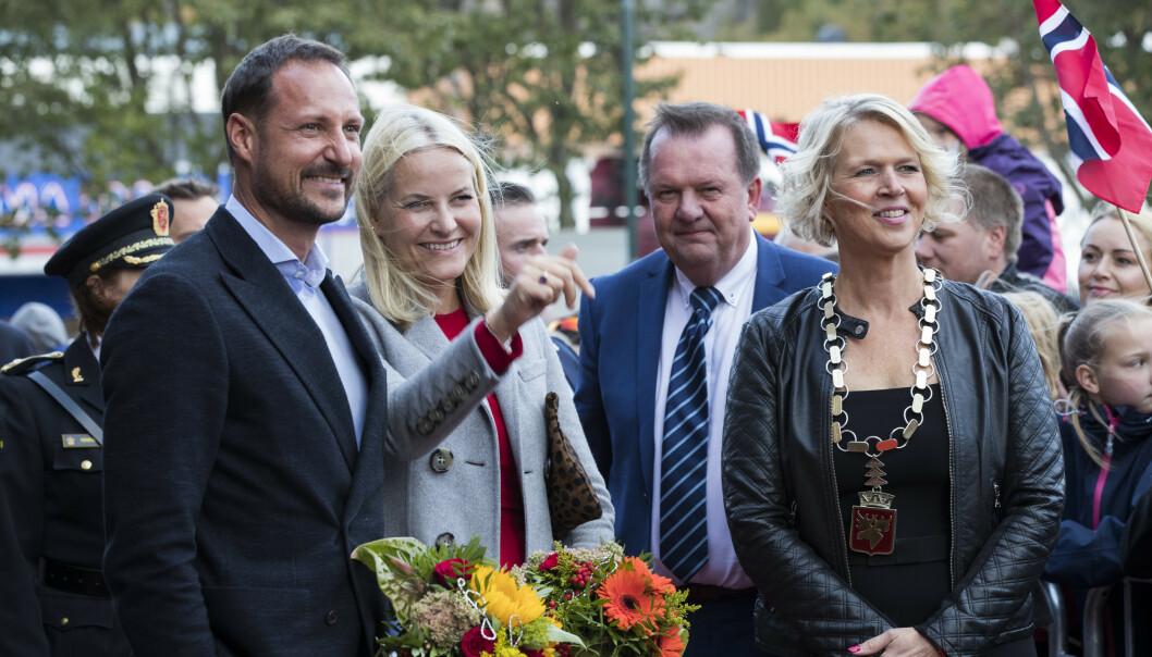 <strong>SKUFFET:</strong> Namsos-ordfører Arnhild Holstad. Her avbildet med kronprinsparet i 2017. Foto: NTB Scanpix