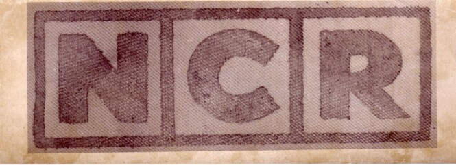 KJENT LOGO: Plasten kvinnen var pakket inn i hadde logoen til National Cash Register, og var overtrekket til en pengemaskin. FOTO: NTBScanpix.