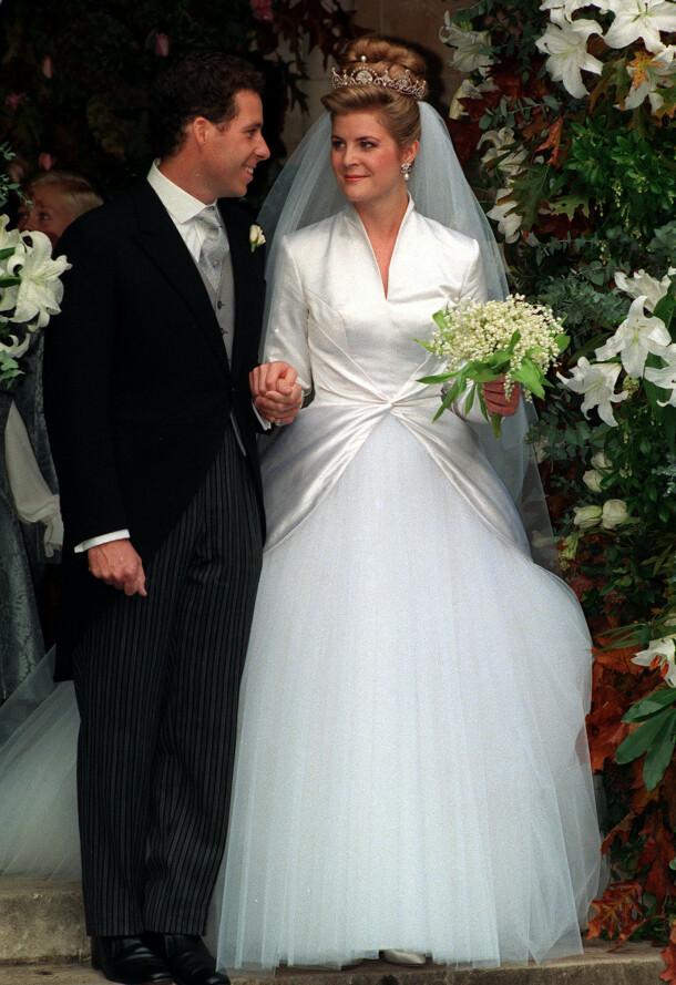 <strong>PÅ BRYLLUPSDAGEN:</strong> David og Serena Armstrong-Jones som mann og kone etter vielsen den 8. oktober 1993, Foto: NTB scanpix